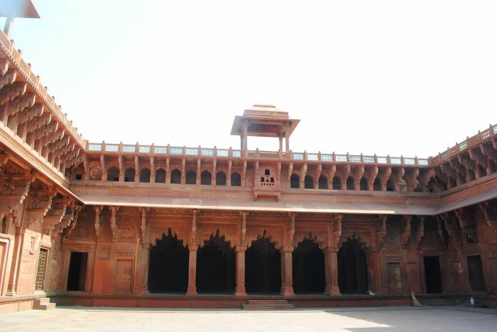Patio interior del Jahangiri Mahal