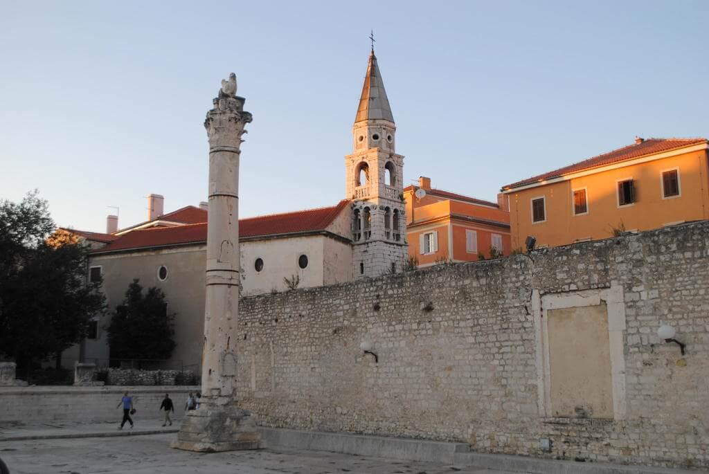 Plaza donde se encuentra la Iglesia de San Donato