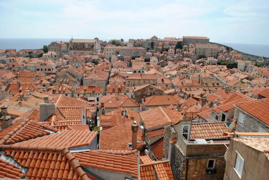 Un mar rojo sobre Dubrovnik