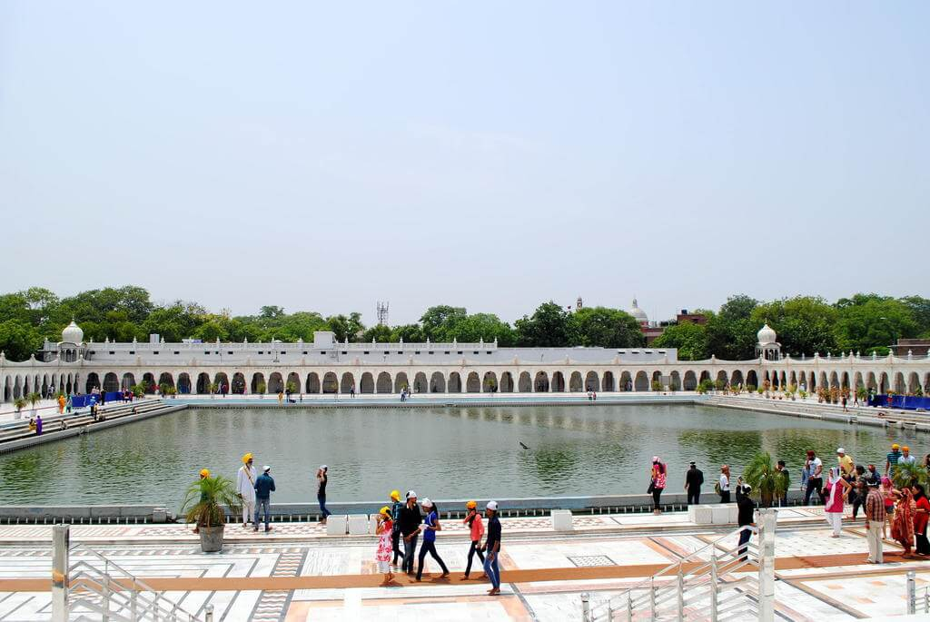 Estanque del templo Gurudwara Bangla Sahib