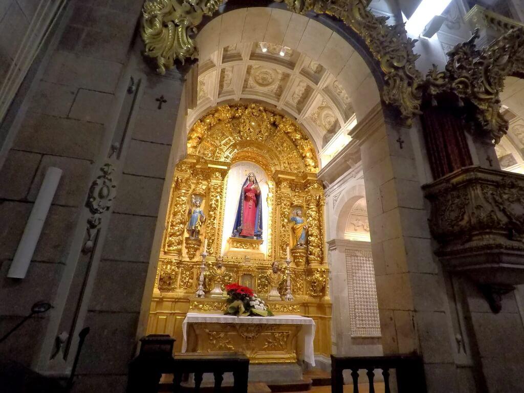 Interior de la Iglesia de Santa Cruz