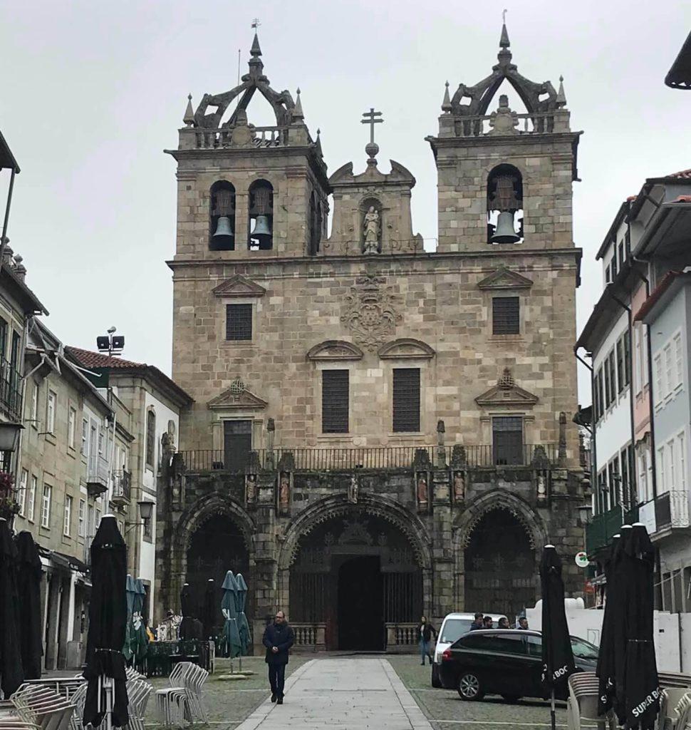 fachada principal Catedral de braga