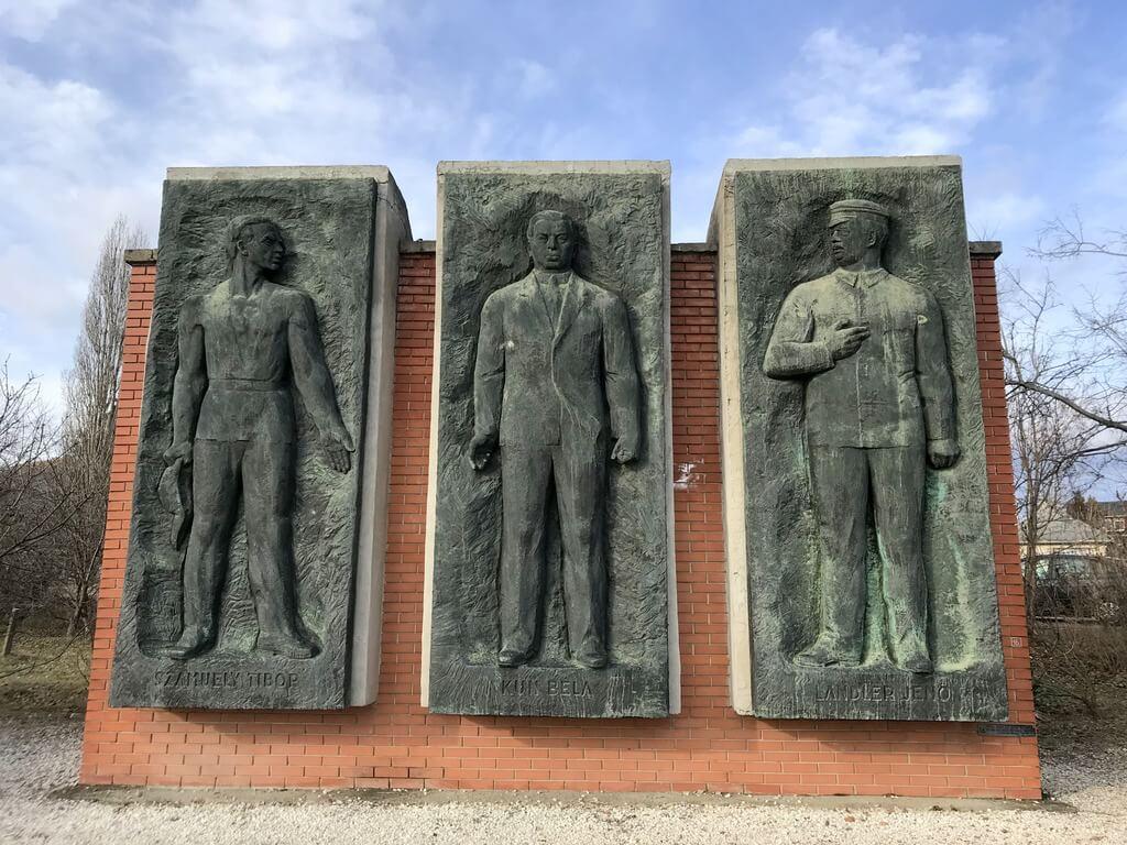 Monumento combatientes movimiento obrero