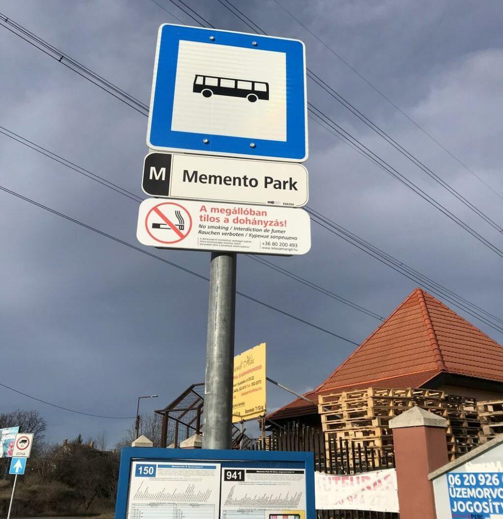 Parada de autobús del Memento Park