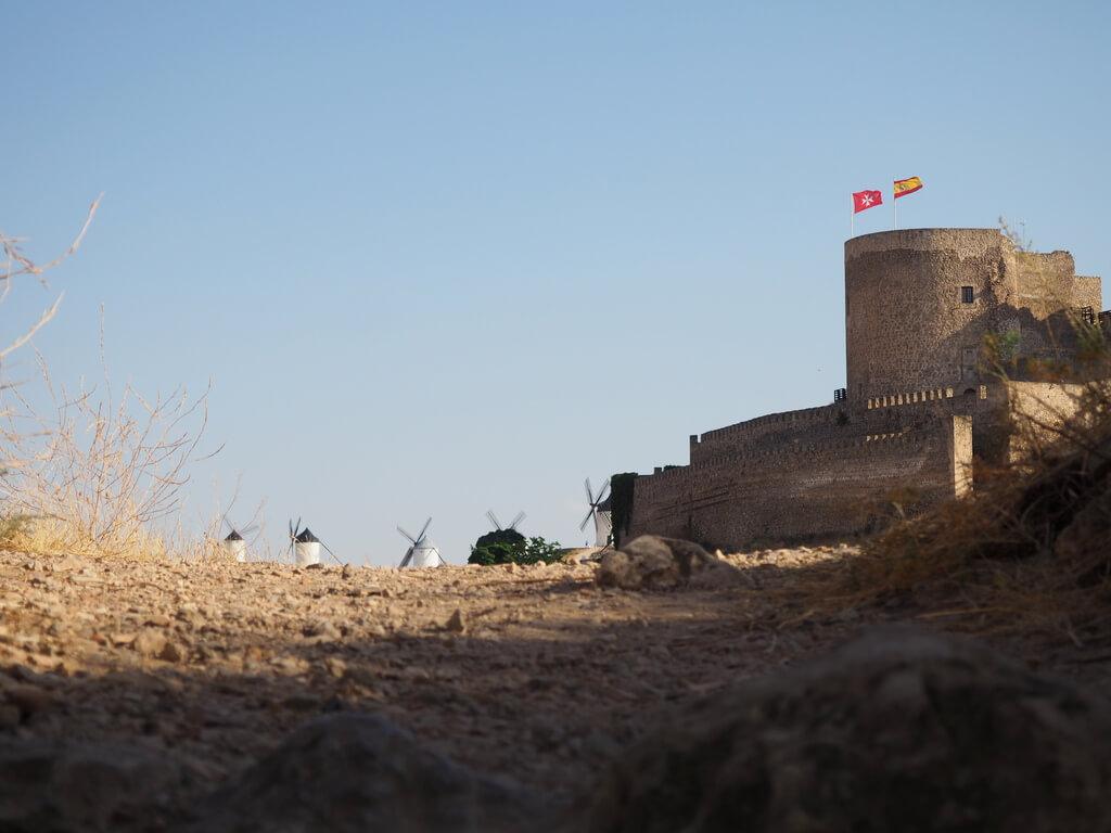 El Castillo de Consuegra desde la parte baja del Cerro Calderico