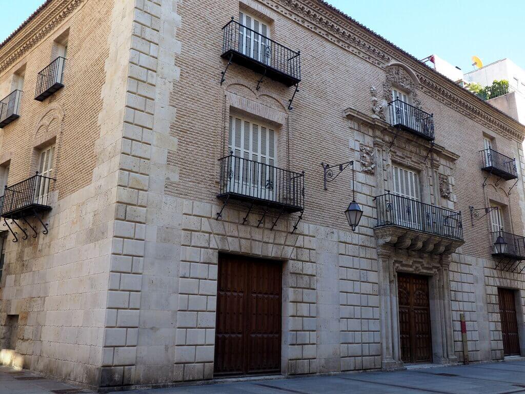 Casa Junco, Calle Mayor
