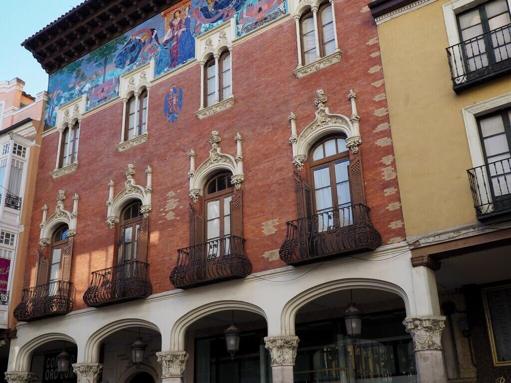 Fachada Colegio de Villandrando