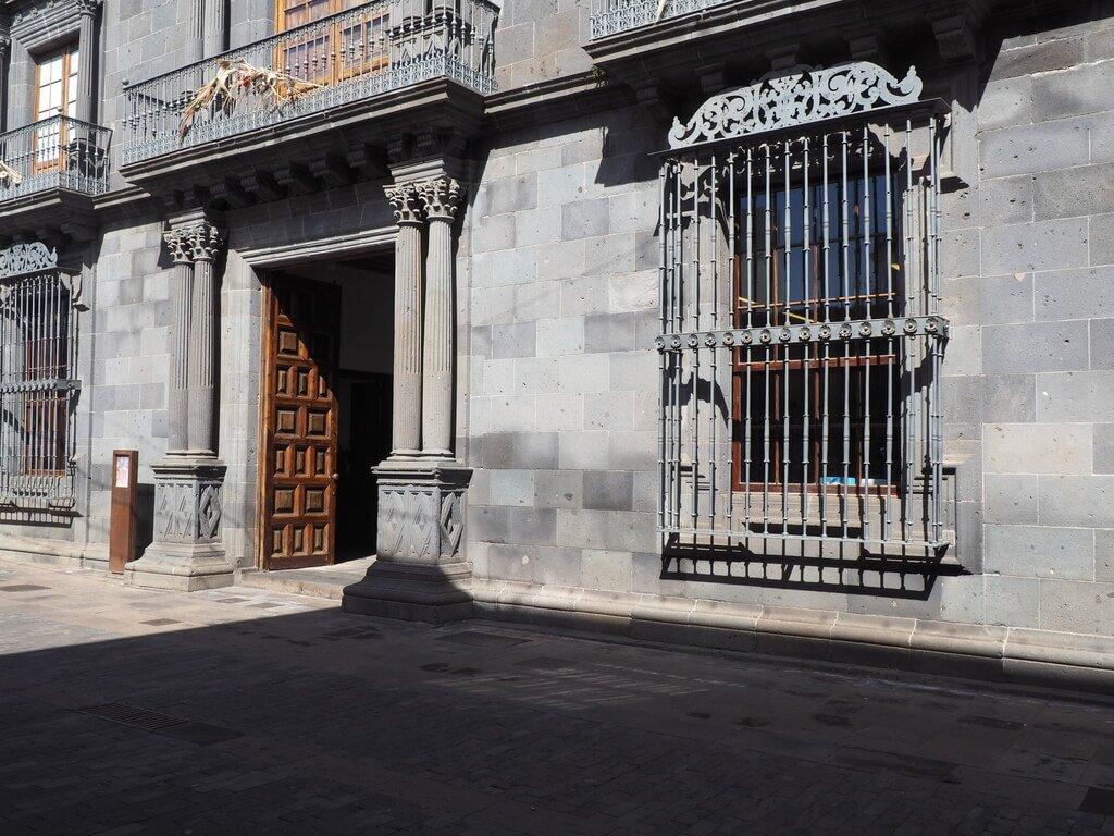 Fachada principal de la Casa Salazar