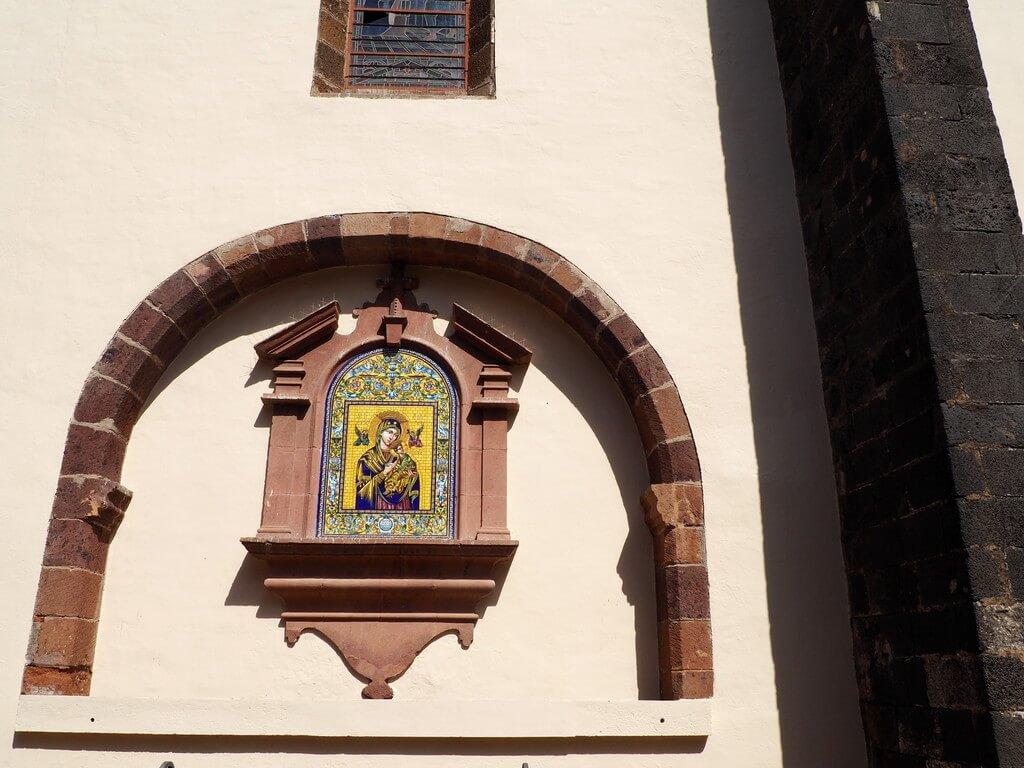 Virgencita de la fachada de la Iglesia de Nuestra Señora de la Concepción