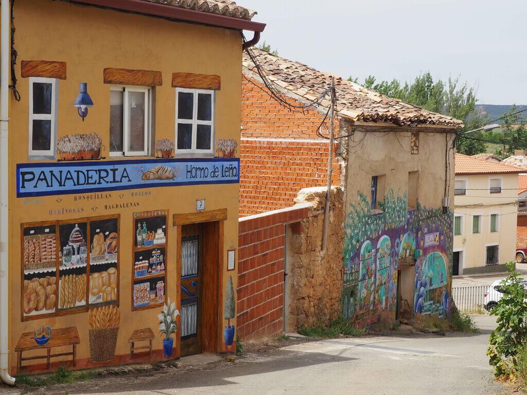 La Panadería y La Floristería, dos de los trampantojos más bonitos de Moranchel