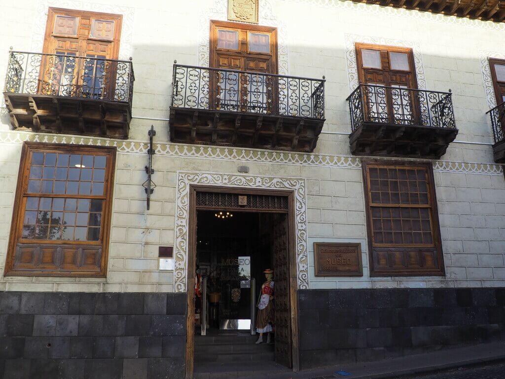Fachada de la Casa de los Balcones
