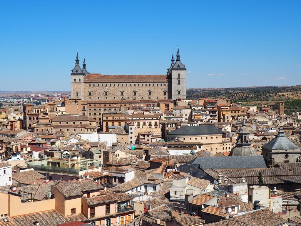 Vistas del casco antiguo de Toledo desde la torre de iglesia