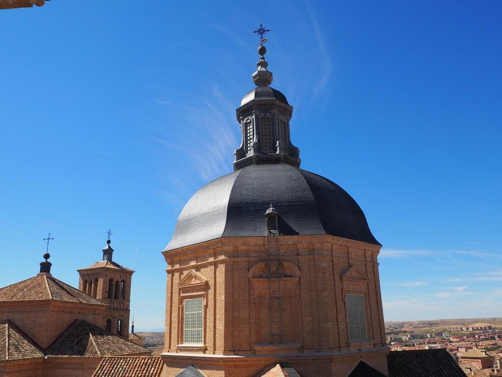 Una de las torres de la Iglesia de San Ildefonso