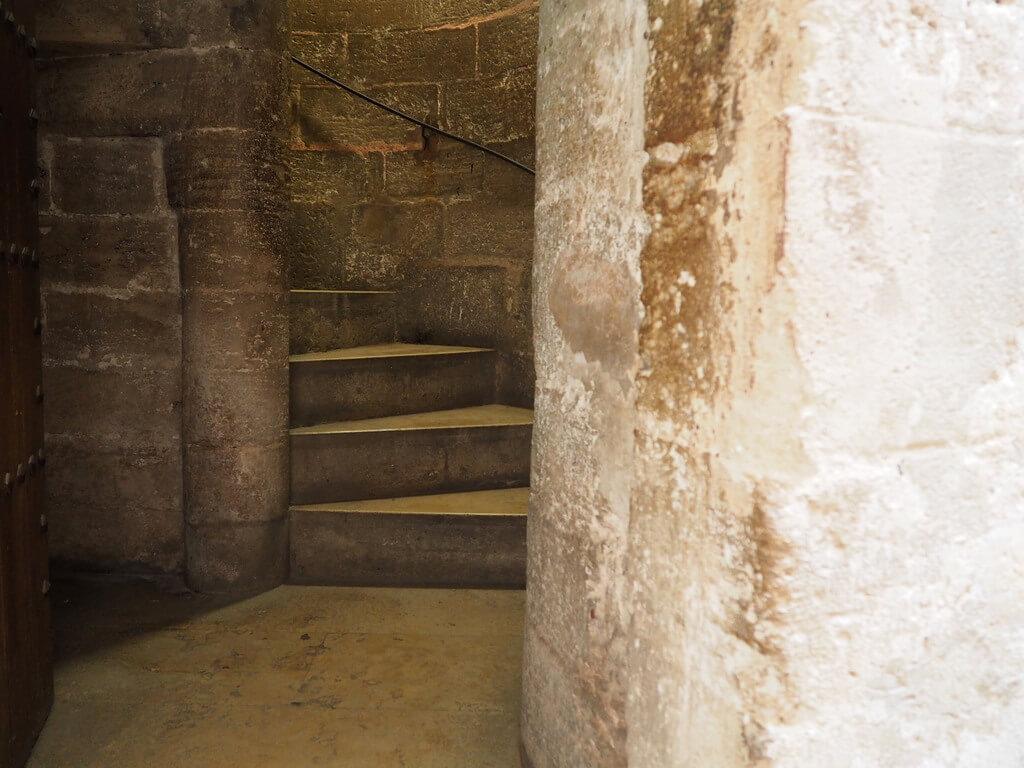 Escaleras de acceso al Micalet
