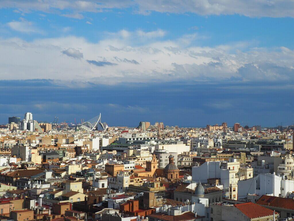 Ciudad de las Artes y las Ciencias desde la azotea del Micalet