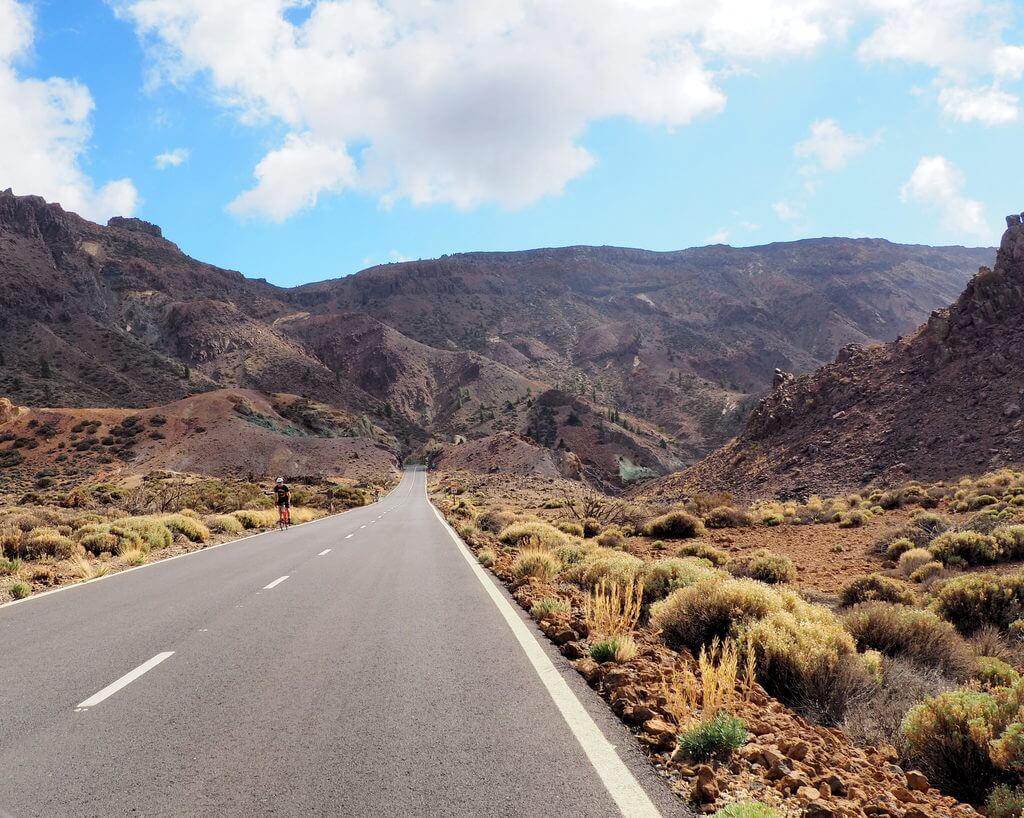 Camino del LLano de Ucanca, carretera TF-21
