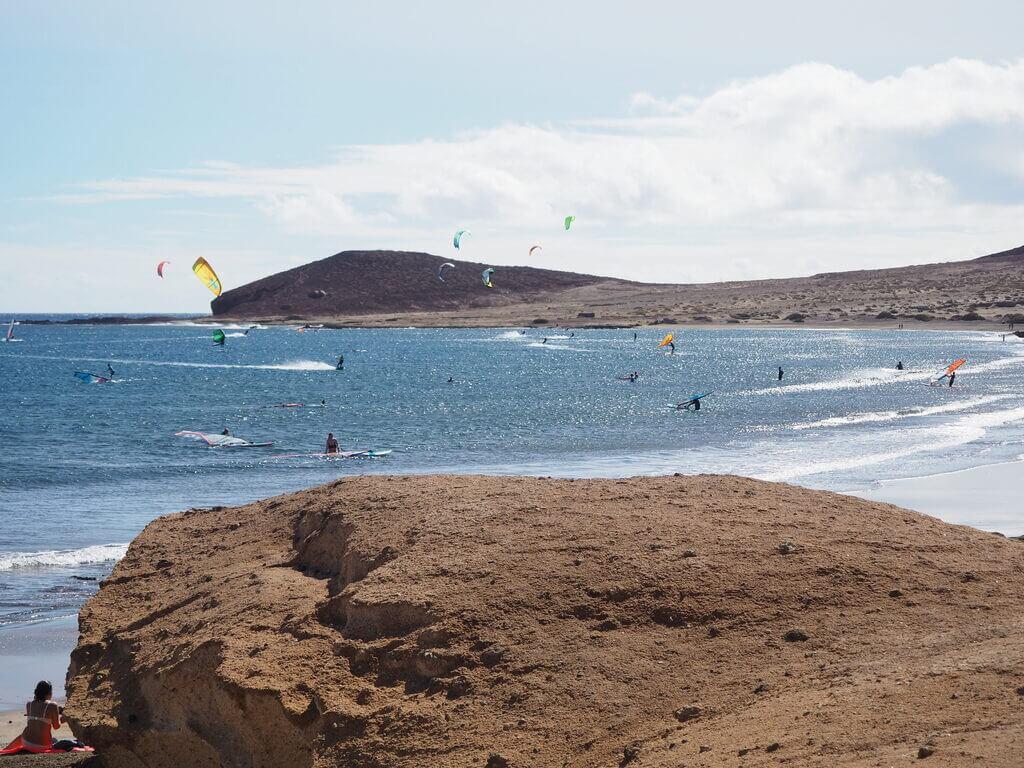 Haciendo surf en la Playa de Leocadio Machado