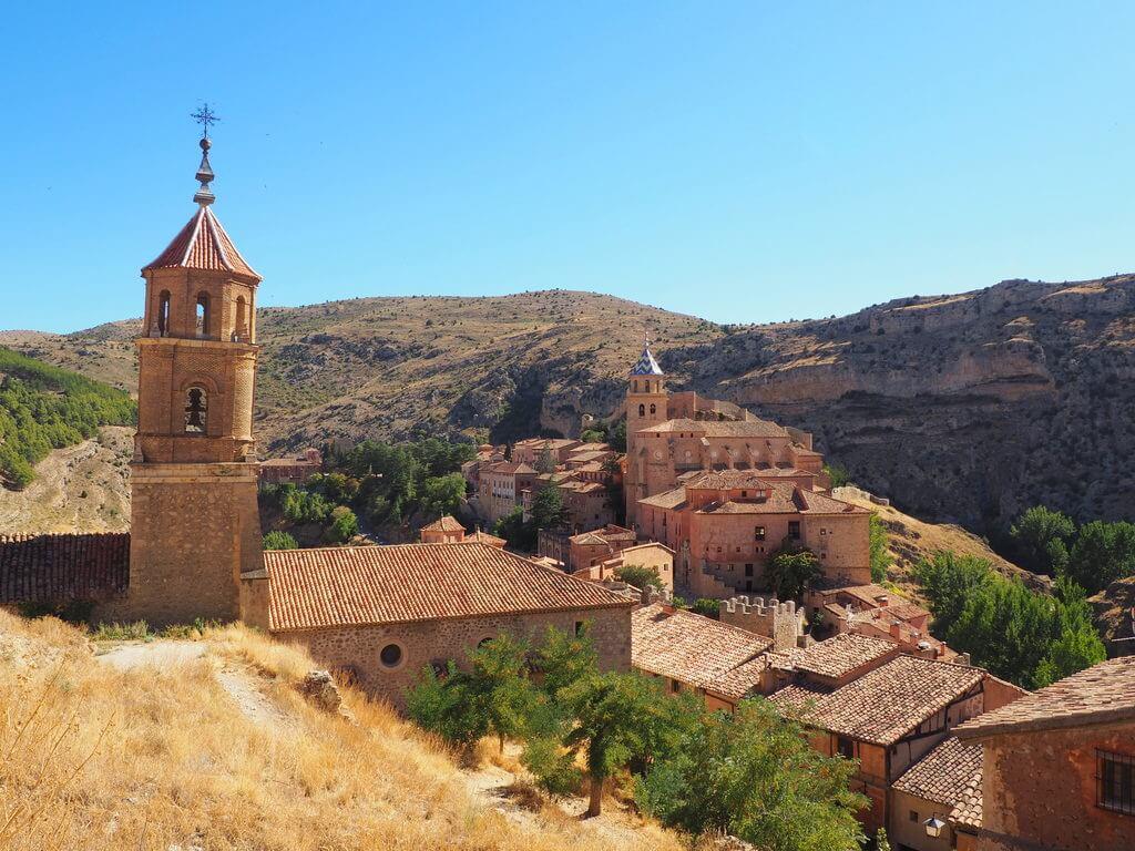 Vistas de Albarracín desde el sendero de las murallas