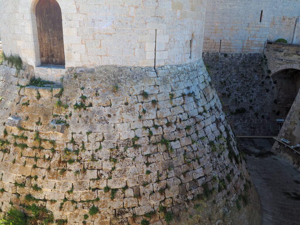 Una de las torres del castillo