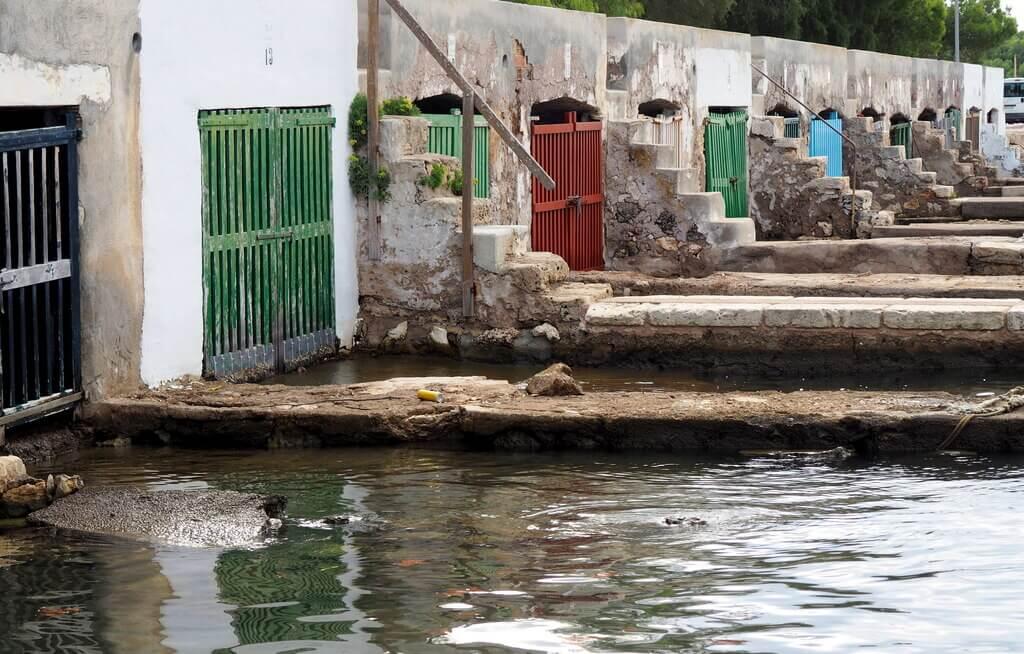 Casetas de pescadores en el puerto