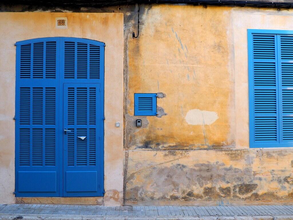 Puertas de colores de Petra