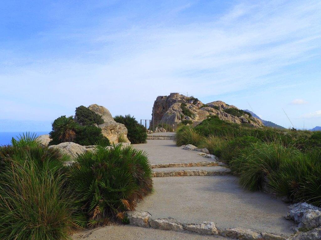 Escaleras de acceso al Mirador de Es Colomer