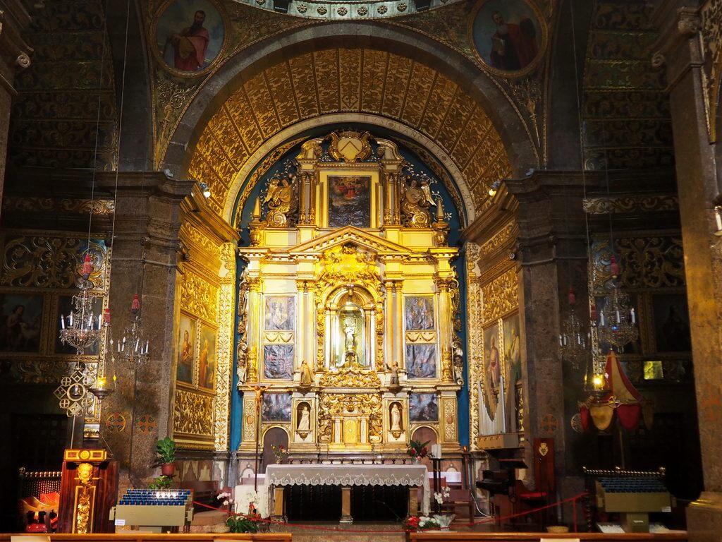 """La Virgen de Lluc o """"Moreneta"""""""