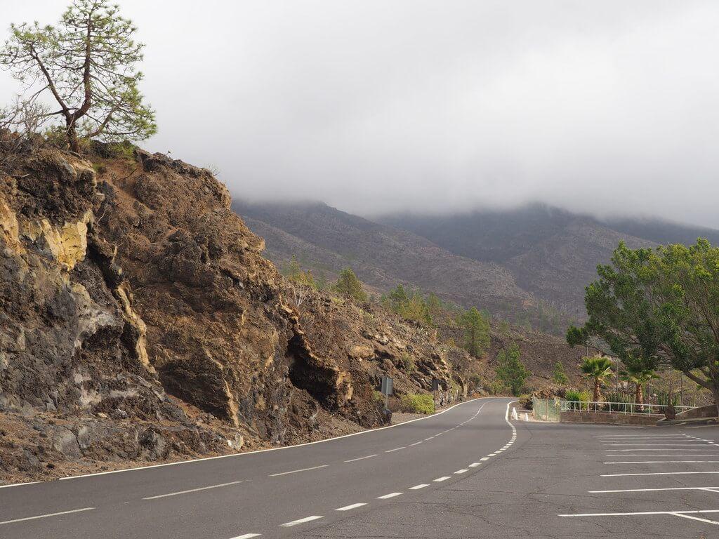 Carretera Tf-38 que comunica el Parque Nacional del Teide con Tamaimo