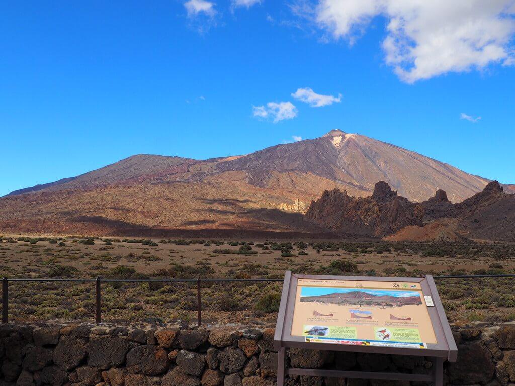 El Teide y a su izquierda, el Pico Viejo