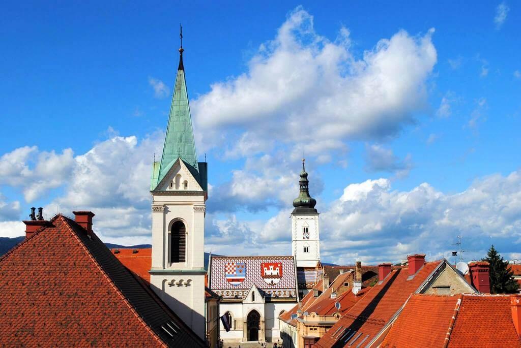Panorámica de la Iglesia de San Marcos desde la Torre Lotrscak