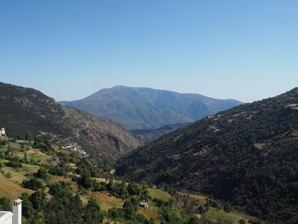 El Barranco de Poqueira visto desde Capileira