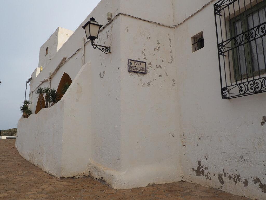 Plaza del castillo de Mojácar